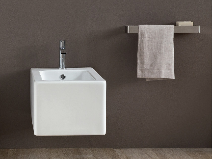 Wall-hung ceramic bidet COOL | Wall-hung bidet by Nic Design