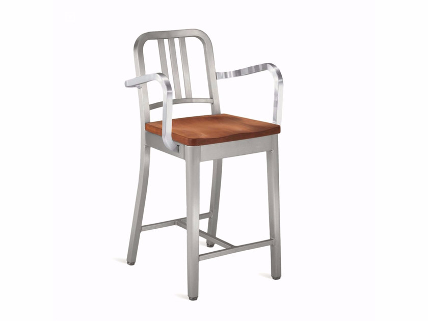 Aluminium and wood chair with armrests 1104 NAVY | Chair by Emeco