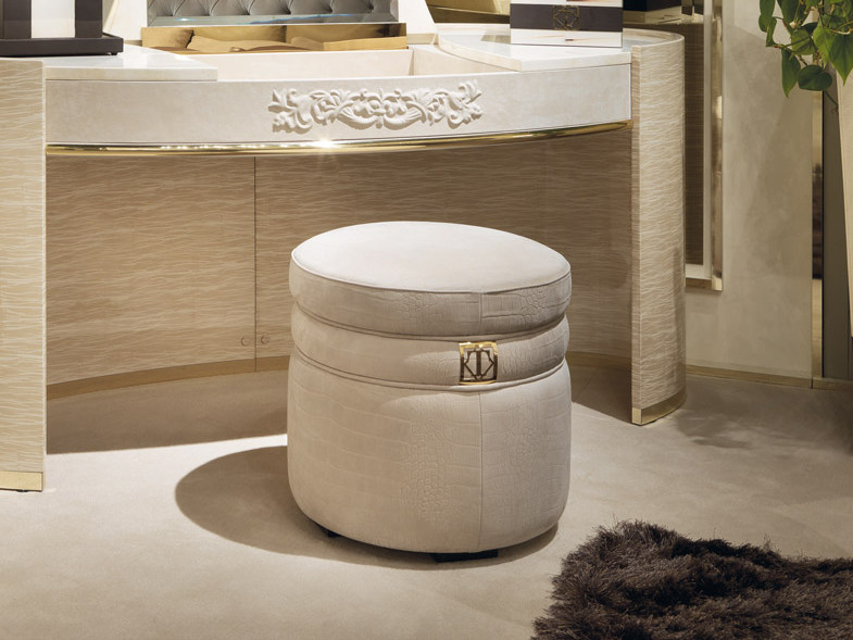 Upholstered round leather pouf COUTURE | Round pouf by Turri