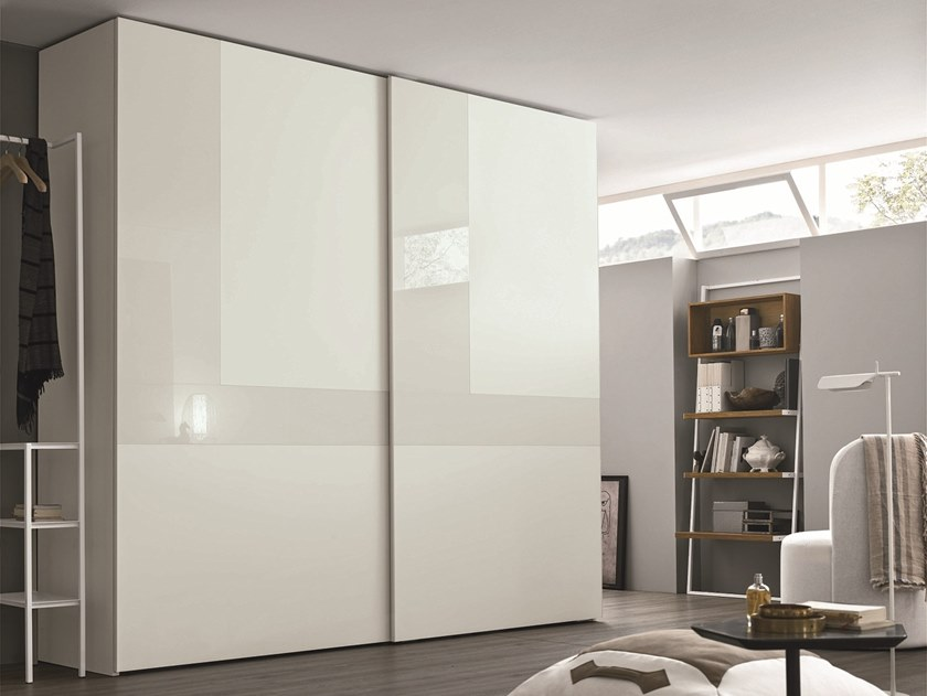 Lacquered wardrobe with sliding doors CRISTAL | Lacquered wardrobe by Gruppo Tomasella