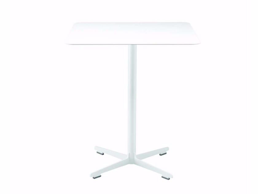 Table carrée avec base à 4 rayons CROSS TABLE - 574_O | Table by Alias