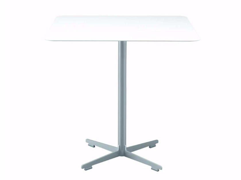 Table carrée avec base à 4 rayons CROSS TABLE - 577_O | Table by Alias