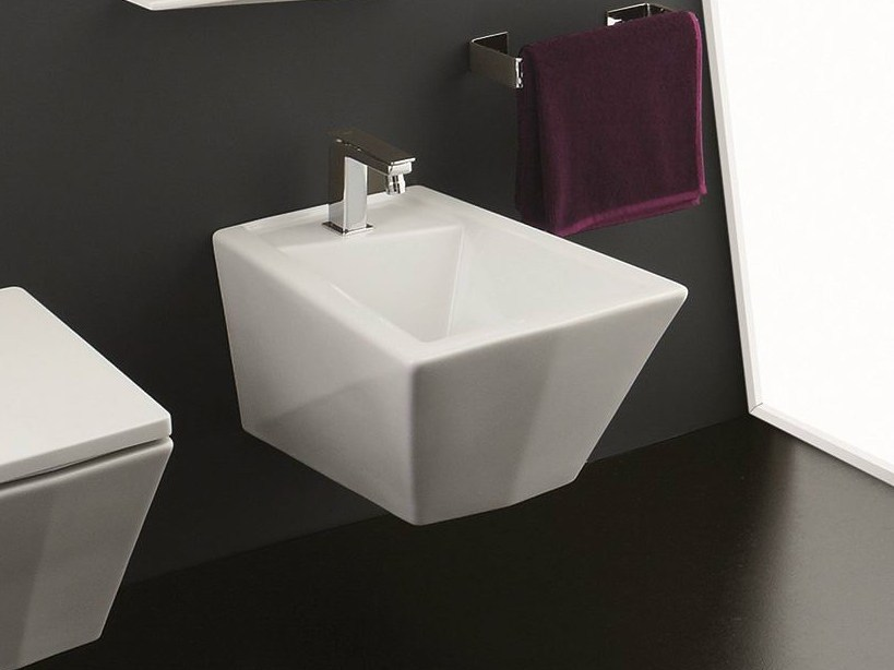 Wall-hung bidet CRYSTAL | Wall-hung bidet by Olympia Ceramica