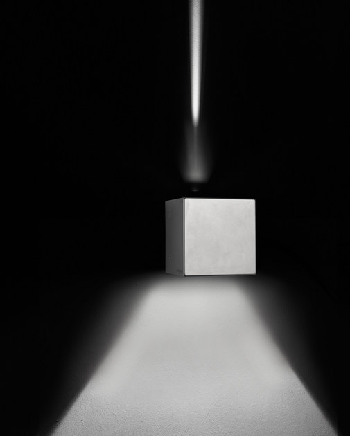 Direct-indirect light die cast aluminium wall lamp CUBE F.8242 by Francesconi & C.