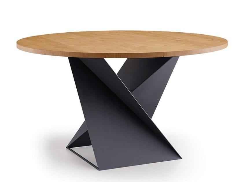 Round wood veneer table CUBE | Table by Natisa