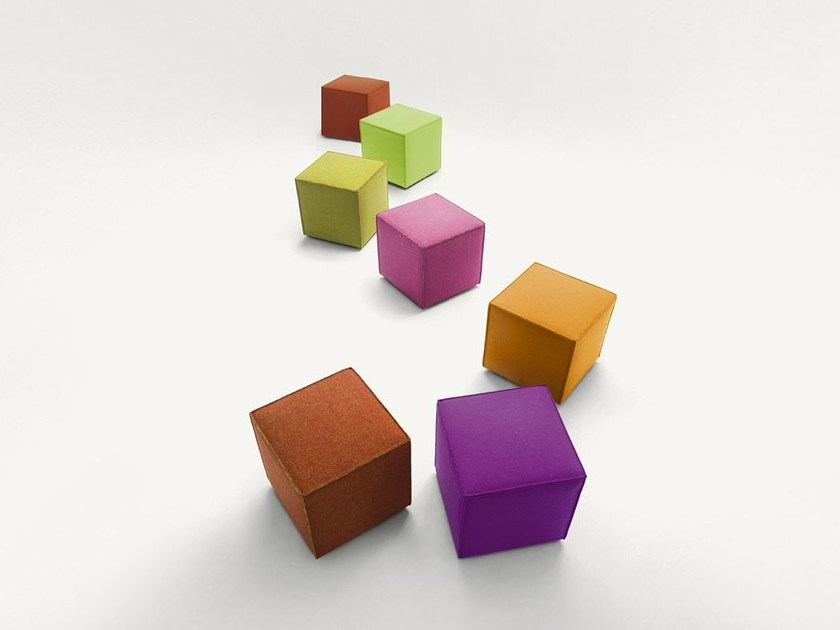 Fabric pouf with removable lining CUBO by paola lenti