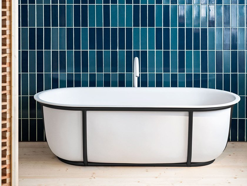 Freestanding oval Solid Surface bathtub CUNA by Agape