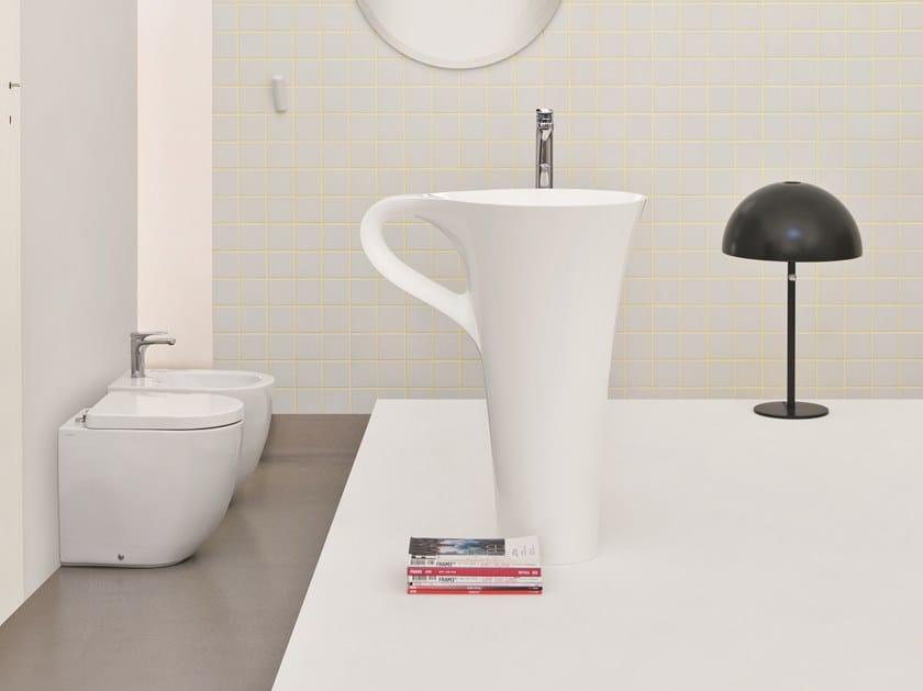 Freestanding ceramic washbasin with towel rail CUP | Freestanding washbasin by Artceram
