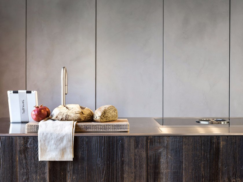 Spruce and steel kitchen with island D90 | Steel and wood kitchen by TM Italia Cucine