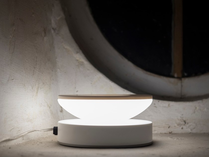 LED PMMA table lamp DADA by Kriladesign