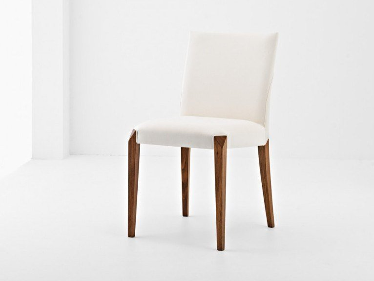 Upholstered chair DAFNE | Chair by Passoni