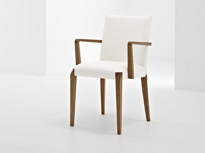Upholstered chair with armrests DAFNE | Chair with armrests by Passoni