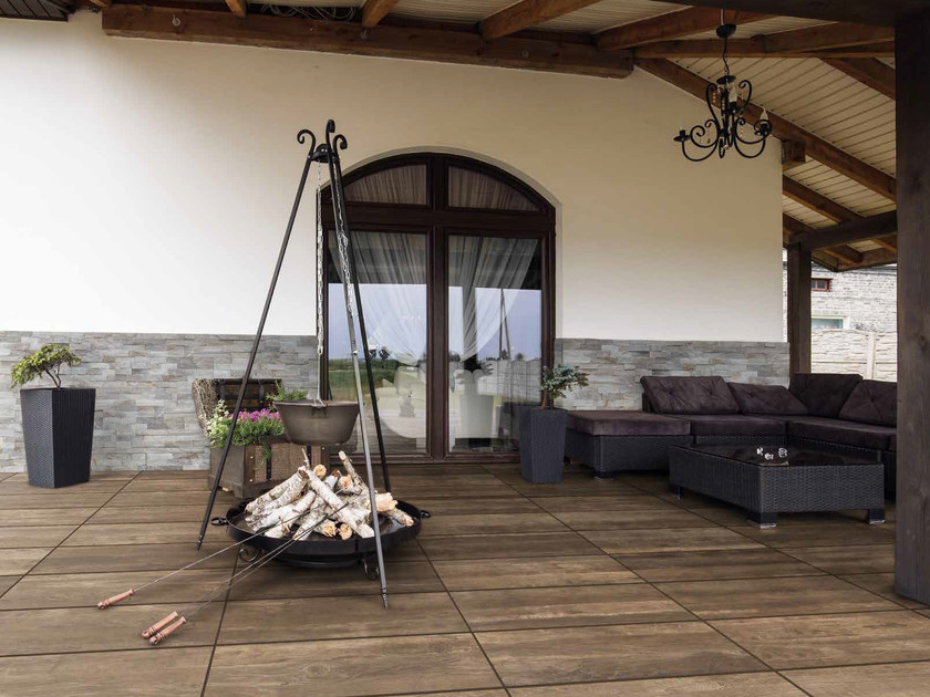 Porcelain stoneware outdoor floor tiles with wood effect DECK BROWN by RECORD - BAGATTINI