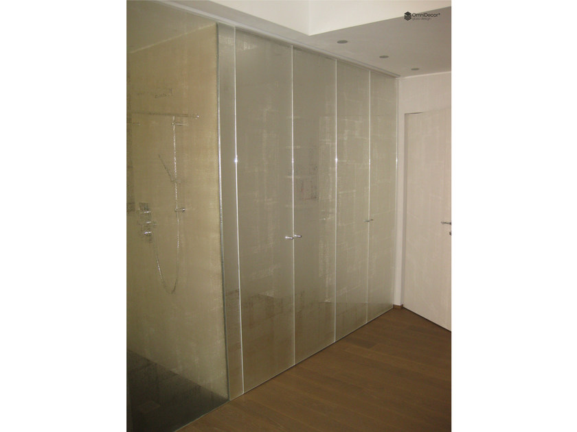 Decorated glass shower door DECORFLOU® DESIGN FABRIC by OmniDecor®