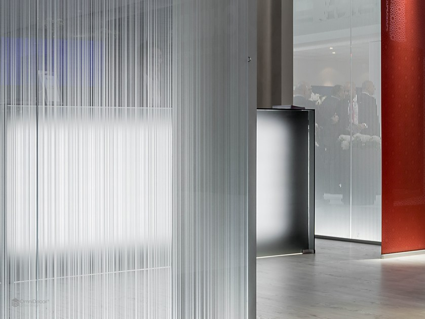 Decorated glass movable wall DECORFLOU® DESIGN LINEA by OmniDecor®