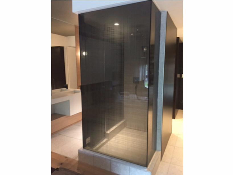 Decorated glass shower wall panel DECORFLOU® DESIGN MANHATTAN by OmniDecor®