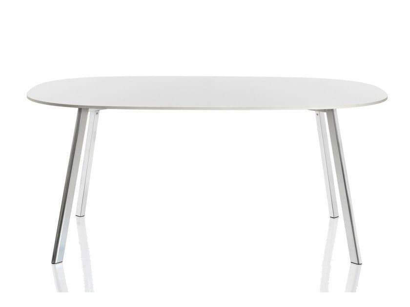 Oval HPL table DEJÀ-VU | Oval table by Magis