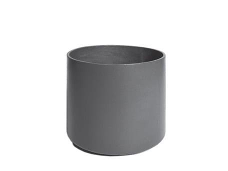 Low cement garden vase DELTA 45 | Cement garden vase by SWISSPEARL Italia