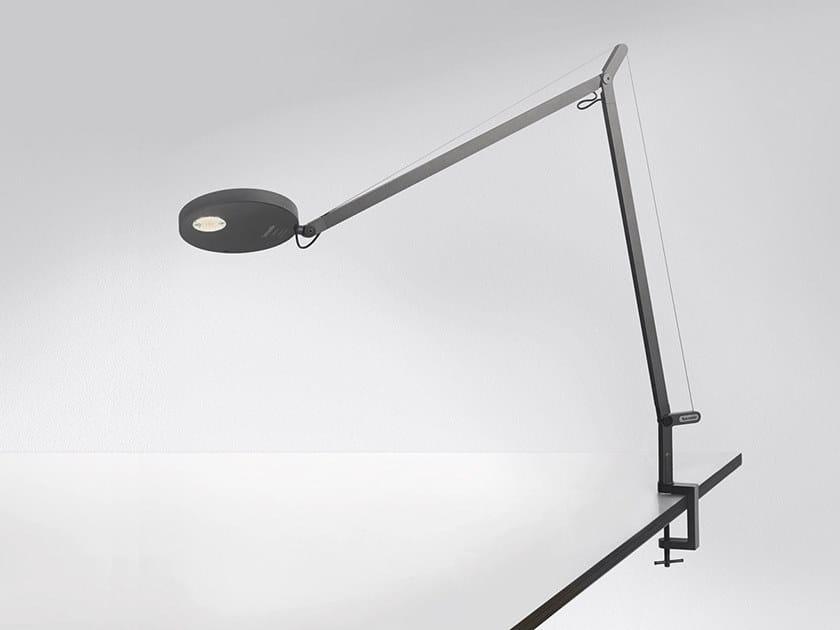 Lampada da tavolo a LED orientabile con morsetto DEMETRA   Lampada da tavolo con morsetto by Artemide