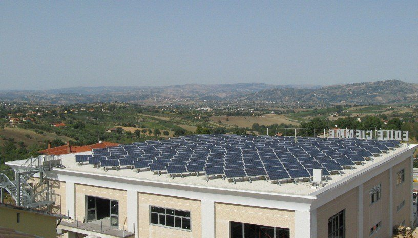DERBIBRITE NT® Applicazione con impianto fotovoltaico c-Si