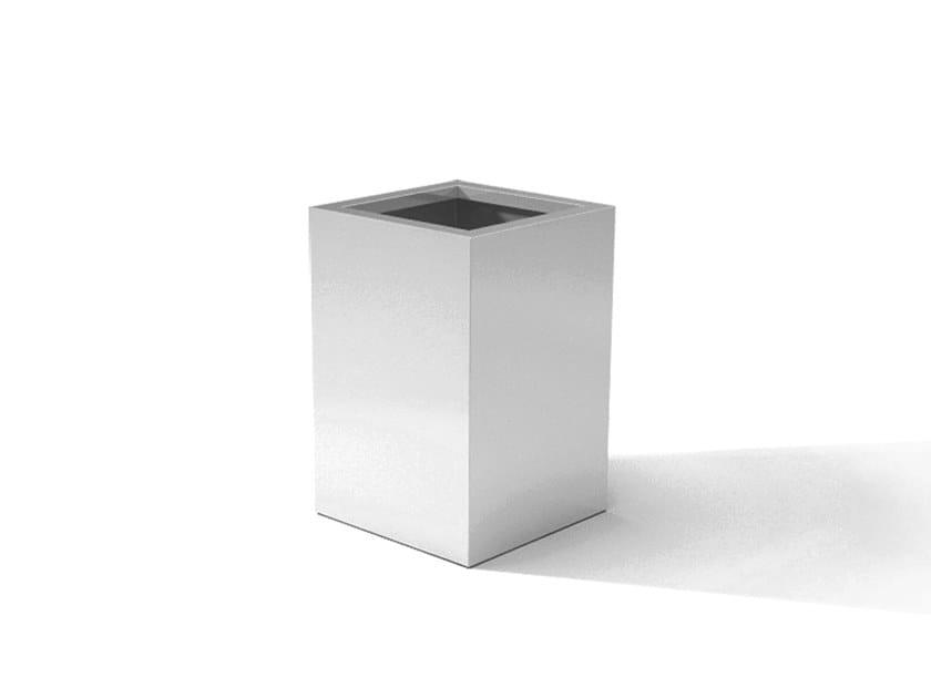 Metal planter DESIGN YUVI by Laubo