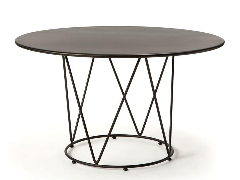 Tavolo da giardino rotondo in metallo DÉSIRÉE | Tavolo rotondo by Vermobil