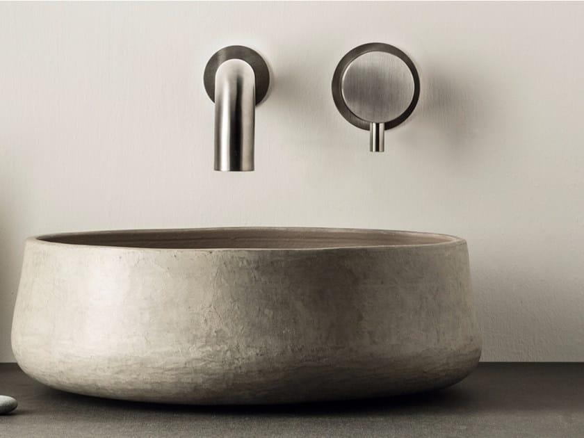 Miscelatore per lavabo a 2 fori a muro in acciaio inox con aeratore DIMENSIONE74 5740+5100 by MINA