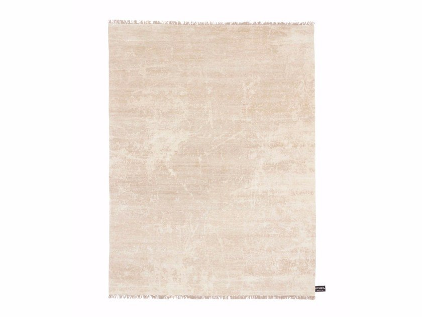 Handmade custom rug DIPPED SCRATCH   Solid-color rug by cc-tapis