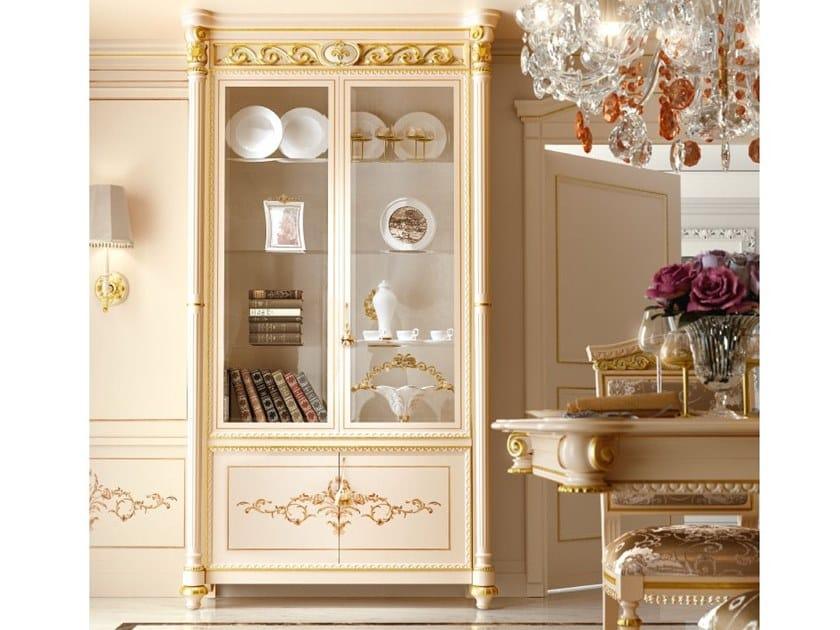 Lacquered display cabinet LUIGI XVI   Display cabinet by Valderamobili