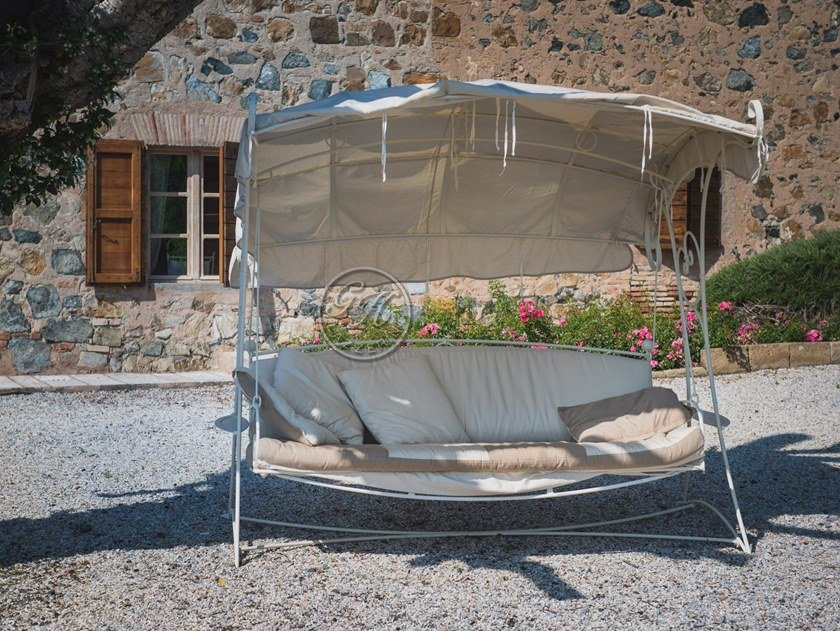 Dondolo in ferro battuto con parasole Dondolo 8 by GH LAZZERINI
