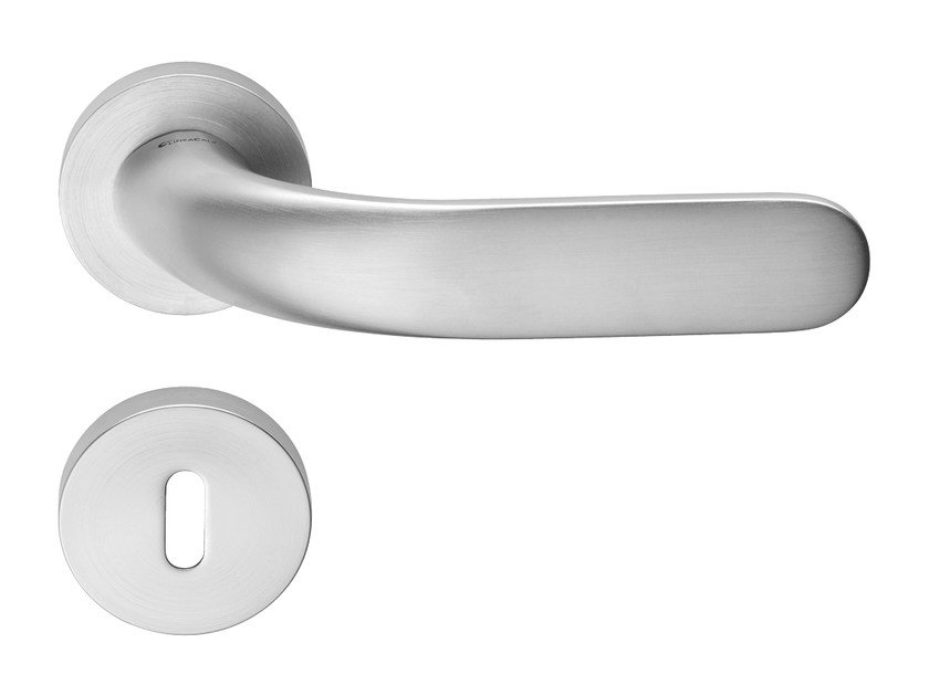 Brass door handle with lock POINT | Door handle with lock by LINEA CALI'