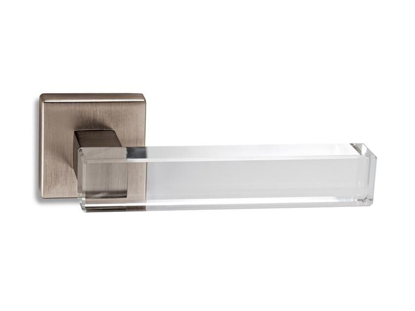 Brass door handle SHINY | Door handle by Ento