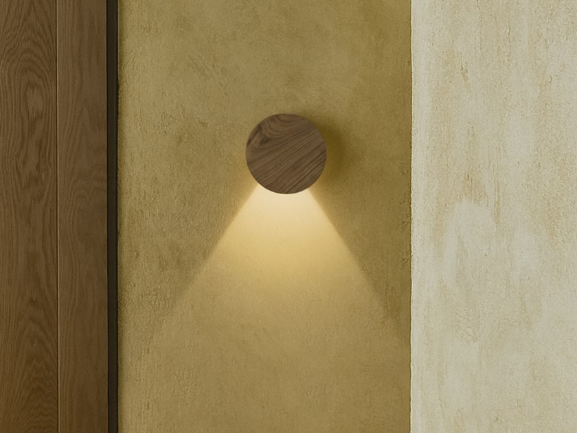 LED adjustable wall lamp DOTS 4670 by Vibia