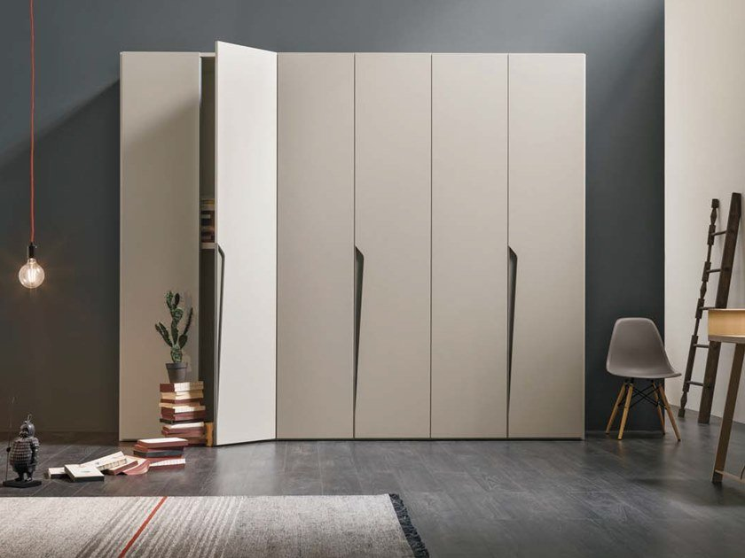 Sectional lacquered wardrobe DROP by Gruppo Tomasella