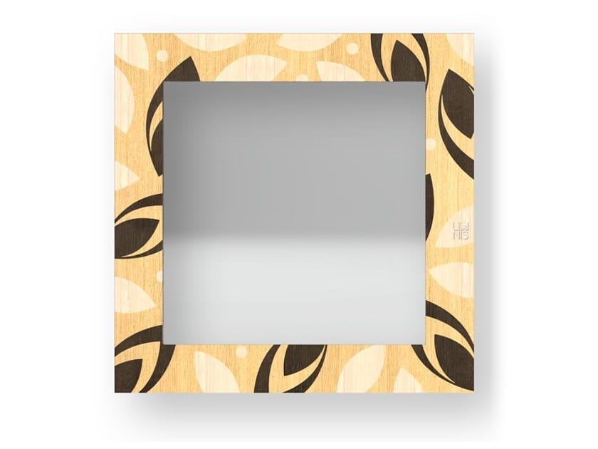 Specchio quadrato a parete con cornice DROPS WARM | Specchio by LIGNIS®