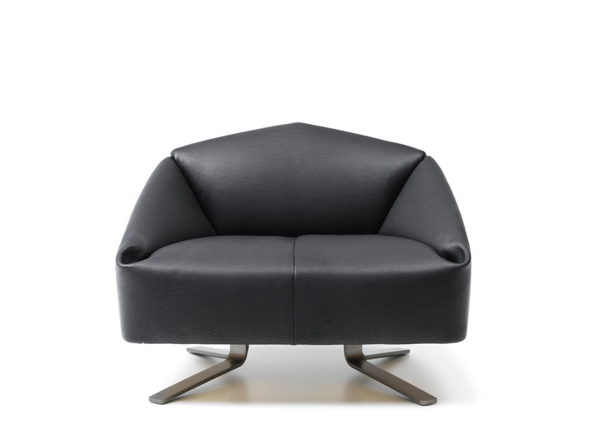 Upholstered leather armchair DS-373 | Leather armchair by de Sede