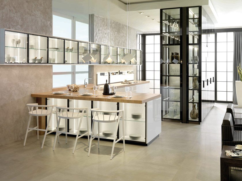 Lacquered kitchen with peninsula E3.70 by GAMADECOR