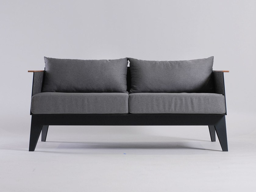 2 seater sofa E7 by ODESD2