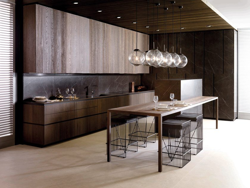 Lacquered kitchen with island E9.30 / E7.90 by GAMADECOR