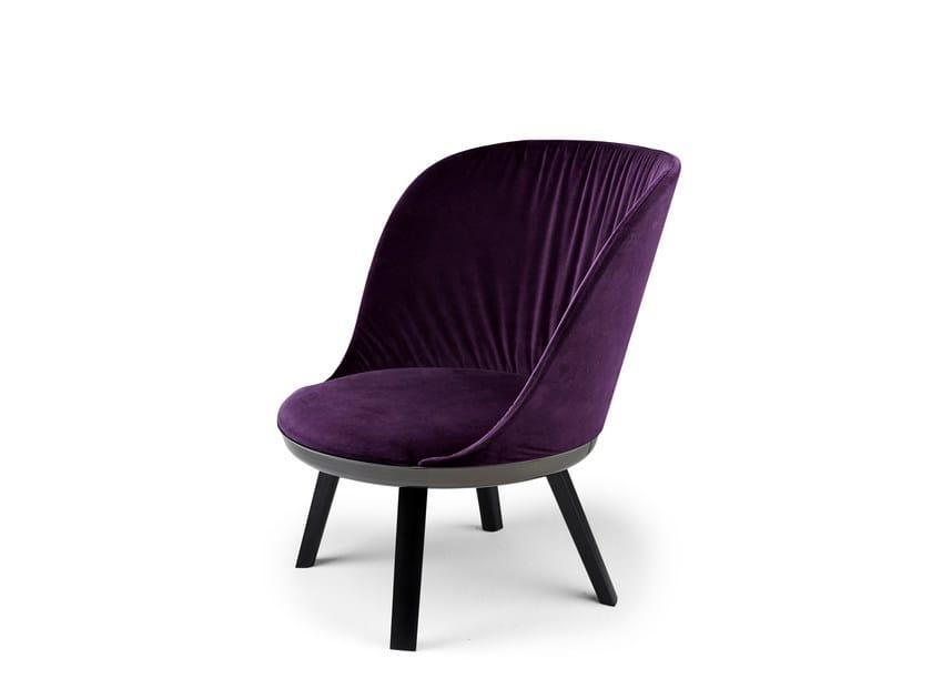 Fabric easy chair ROMY | Easy chair by Freifrau