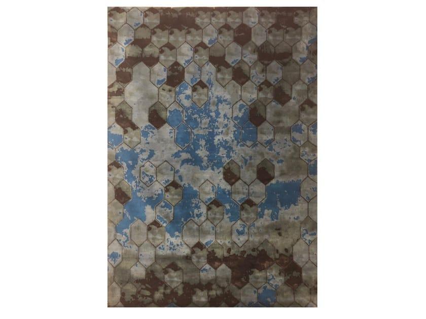 Handmade rectangular rug EBRU X OSIRIS PETIT HEXAGON by EBRU