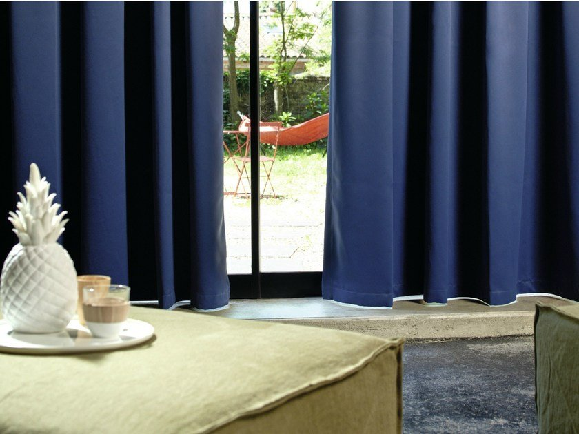 Solid-color dimming fabric ECLIPSE by Élitis