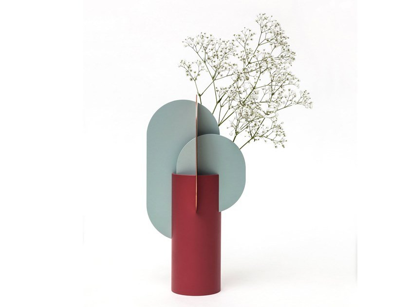 Metal vase EKSTER by NOOM