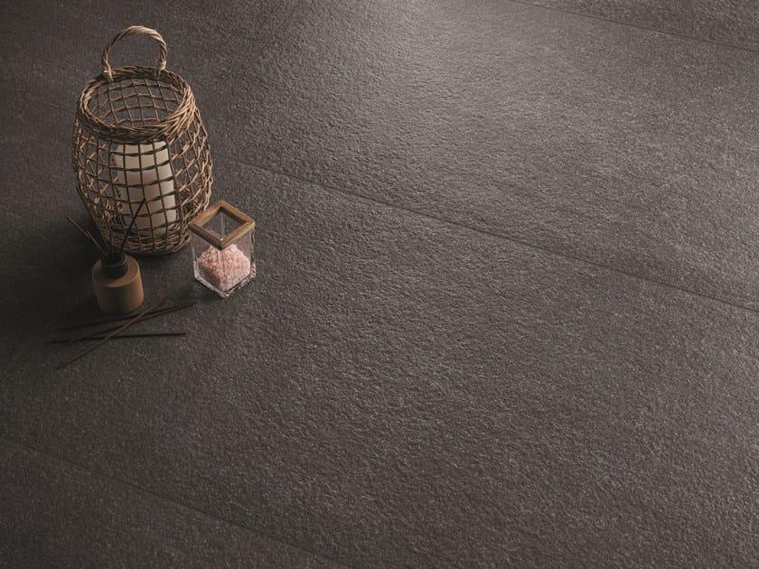 Pavimento/rivestimento in gres porcellanato effetto pietra ELEGANCE PRO ANTHRACITE by Ergon
