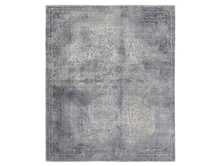 Handmade custom rug ELEMENTS STAR BORDER GREY by Thibault Van Renne