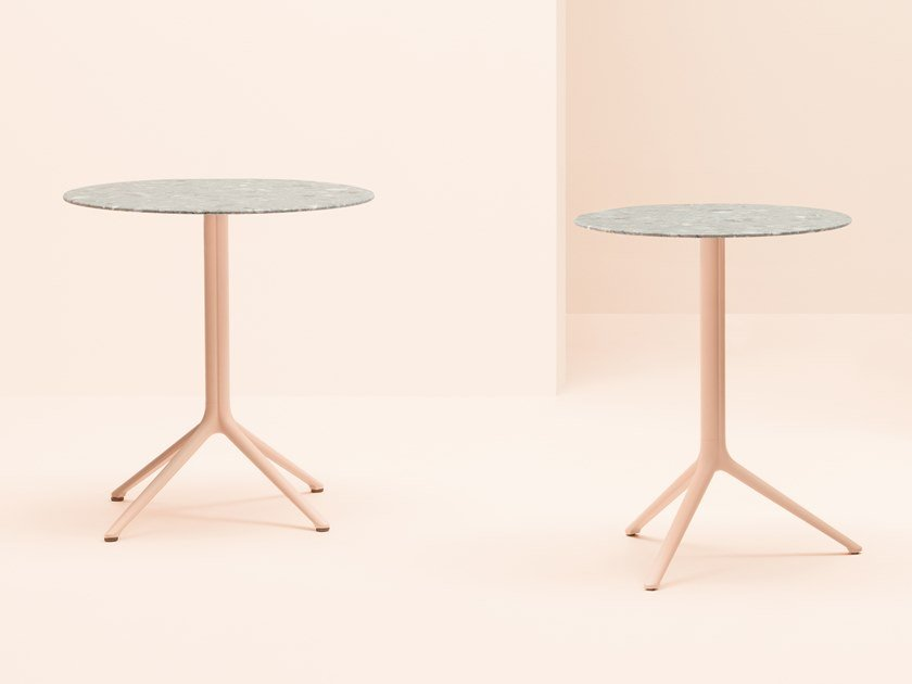Round aluminium table with 4-star base ELLIOT | Round table by PEDRALI