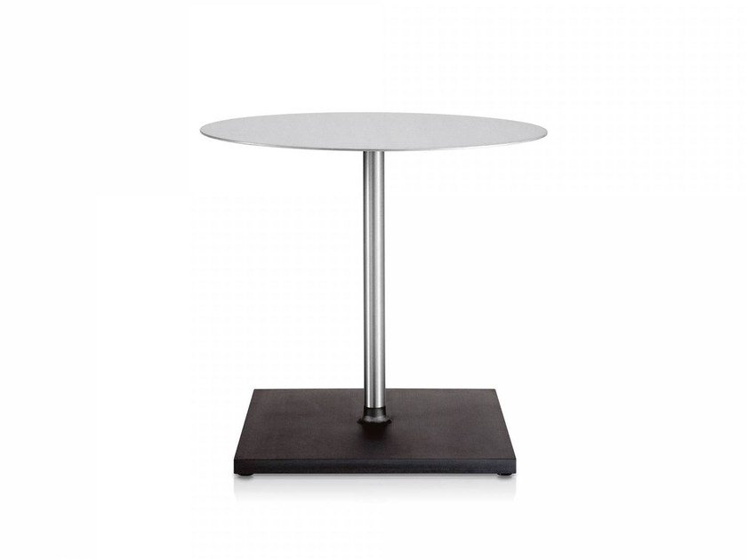 Round aluminium table EMECO | Round table by Emeco