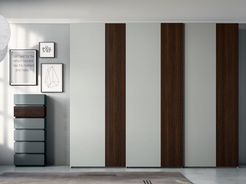 Lacquered wardrobe with sliding doors EMOTION UP EM37 by Dall'Agnese