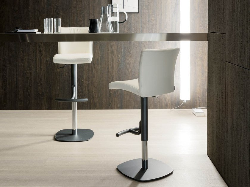 Upholstered leather stool with gas lift EMY by Ozzio Italia