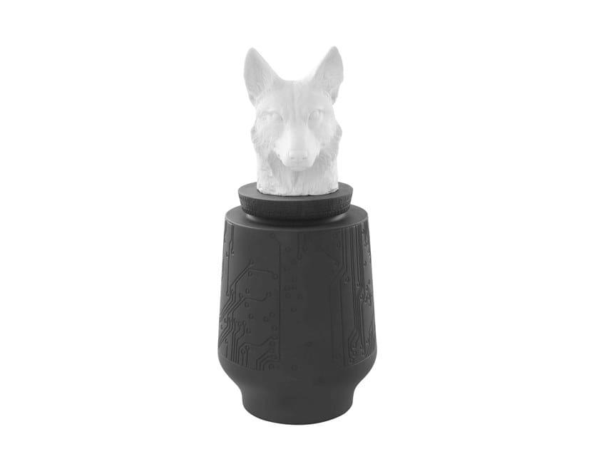 Porcelain storage box ENDANGERED - WOLF by Vista Alegre